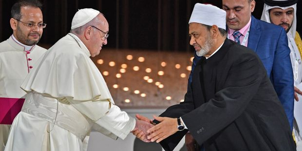HUMAN-FRATERNITY-Azhar-Grand-Imam-Sheikh-Ahmed-al-Tayeb-POPE-FRANCIS-AFP-000_1D12H3